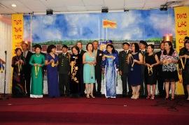 40 NAM HOI NGO 951